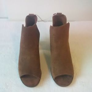 Women's Charlee cut out booties size 8